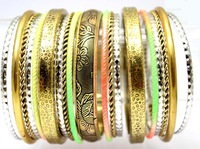 Vintage Indian Bracelets and Bangles Jewelry. Wholeasle Antique Gold Plated Exaggerated Luxury Designed Fashion Neon Bangle Set