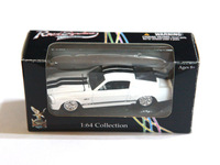 Diecast Cars 1967 Shelby Eleanor GT 500 Road Signature 1/64 Collection
