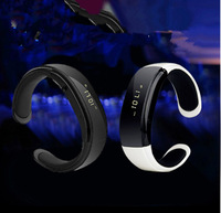 2014 new Bluetooth Bracelet Wireless Smart Watch smart wristband Caller ID Display + Vibrating Alert Smartwatch for Iphone 5 5s