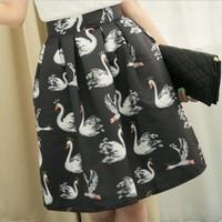 White Black Swan Printed Skirts Saias Femininas 2015 New Born Novelty Brand Animal Cute Bird Print Knee-length Flare Midi Skirt