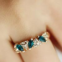 New Women Lady Vogue Elegant Vintage Emerald Rhinestone Finger Jewelry Ring Gift