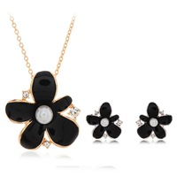 Black Flower Design Charm Pearl Necklace Set White Color Pearl Jewelry Set Necklace And Earrings Christmas Gifts Free Shipping