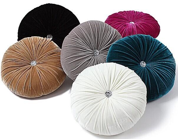 new 2014 round cushion cover velvet cushion pillow capa de  : new 2014 round cushion cover velvet cushion pillow capa de almofada preto e branco purple velvet from www.aliexpress.com size 604 x 471 jpeg 86kB