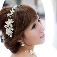 The bride accessories hair accessory headband hair accessory wedding accessories