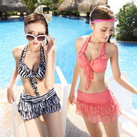 Bikini three-piece steel prop hanging neck sexy skirt gathered multicolored striped swimsuit Spa KZ208
