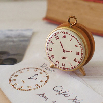 Freeshipping Funny Vintage classical standing clock style DIY wooden stamp MINI toy gift stamp(China (Mainland))