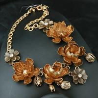 2014 summer new fashion Copper flower claw Rhinestone Necklace, calendula, exaggerated jewelry