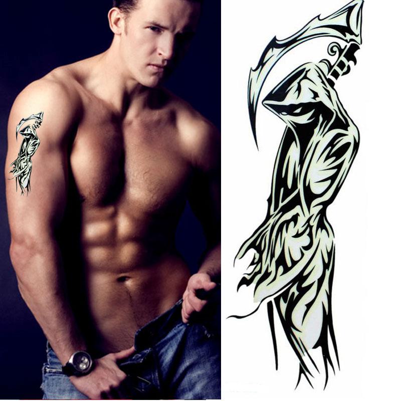 tattoos Latijns borst in de buurt Westwoud