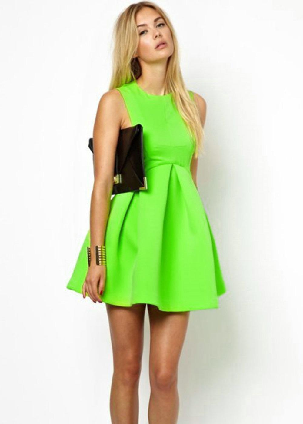 Летнее зеленое платье фото