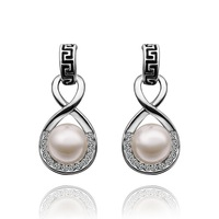 18K Earrings - E496 / 18K Gold Plated Trendy White Pearl Stud Earrings For women, 2014 New Arrival, Free shipping