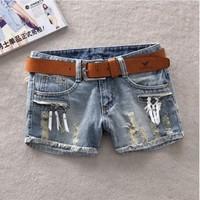 2014 Korean version of the new real shot women wear white zipper edges frayed denim shorts wholesale large size jeans