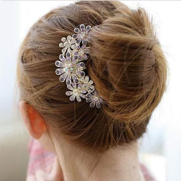 Free Shipping Shine Crystal Rhinestone Petal Tuck Comb Flower Pin Hair Clip for Girls Hair Dressing(China (Mainland))