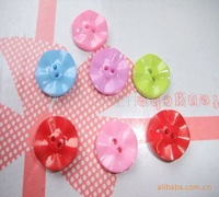 free shipping Wholesale supply of colorful cartoon children's clothes button small daisy button wooden buttons