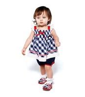 New fashion baby girl 2 piece clothing sets cotton plain baby clothing /bebe conjuntos  roupas meninos free shipping