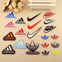 Free Shipping~20pcs/Lot Embroidered mixed colors Iron On Patch logo Appliques DIY bag clothing patches Applique Badges