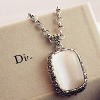 European and American high-end retro Long Necklace Simple major suit Necklace An aristocratic Necklace Free Shipping