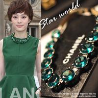 Free shipping Korea grandson couple Paris fashion week with retro green gem  Women dress sweater necklace