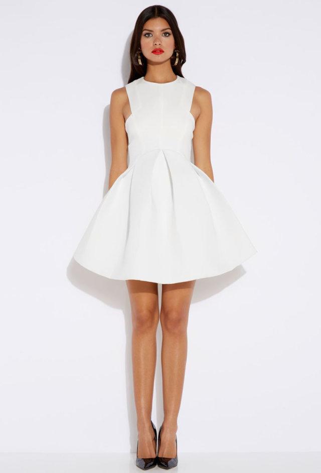 Белое платье из неопрена