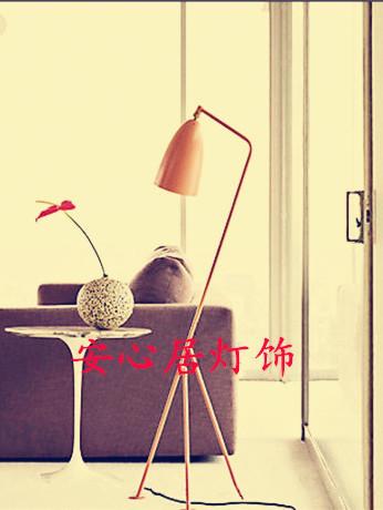 [ Ease ] Grasshopper America ranks European Creative lamp bedroom living room coffee table linen floor lamp(China (Mainland))