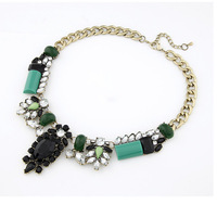 Fashion Vintage Bronze Necklace Choker Clavicle Chain Pendants Resin Bib Jewelry for Women Best Gift