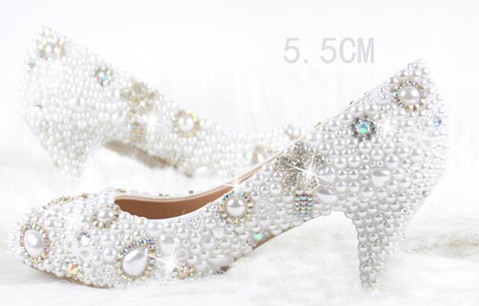 2014 handgefertigt nett weiß imitationsperle frau hochzeitskleid schuhe frau braut schuhe dame kristall partei abschlußballschuhe