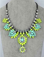 Min order is $9 (CAN MIX)Big crystal resin color female brief paragraph collarbone in Europe and the necklace  XL621