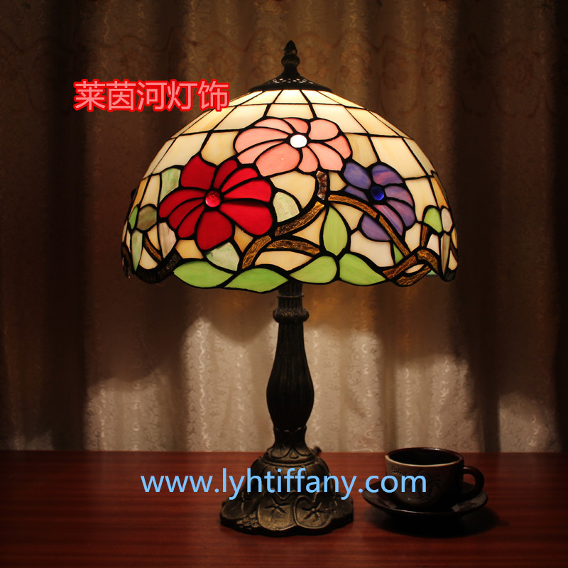 European garden roses bedside lamp Bar Cafe Bar Tiffany stained glass art deco table lamp(China (Mainland))