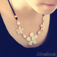 Fashion Tri-Roses Cat Eyes Style Short Women  Necklace Diamante Choker Necklace 03KR