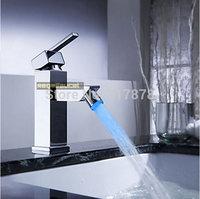 Free Shipping 3 Color LED Faucet Chrome Brass Bathroom Basin Mixer Tap Single Handle Single Hole se277