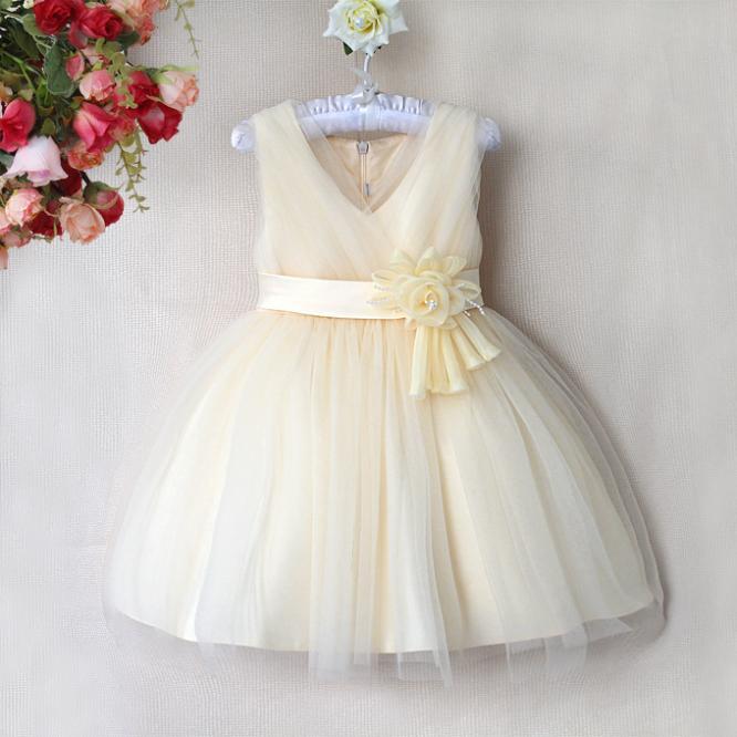Retail !!! 2014 New free shipping girls clothing beautiful Princess dress girls v neck dress New Year's clothes dresses(China (Mainland))