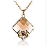 Fashion Accessories Vintage Noble Square Crystal Spider Necklace Imitation Diamond Necklace Pendant JA5349