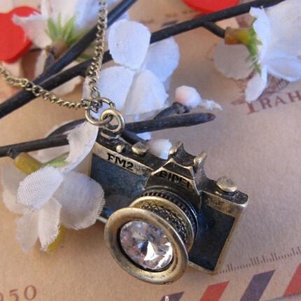 Vintage Bronze Plated Jewelry Fashion Hot Sale Black Blue Color Lovely Blue Black Enamel women Camera