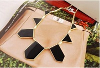 2014 fashion Hot &Black geometrical irregular pendant necklace of woman