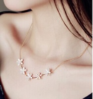 """Good quality ""cat's Eye Stone Flower Necklace female South Korean Short clavicle chain jewelry gift for Valentine's Day"