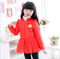 The new autumn and winter 2014 women's children short sleeve crew neck coat warm sweet white duck feather skirt children