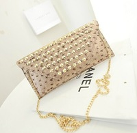 2014 new summer trend of European and American fashion handbags shoulder rivet chain envelope packet Bag fahion for women B004