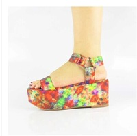 2014 New Arrived Fashion Women Wedges Sandals Popular  T- Stage Printed Flower Platform Shoes Sweet Dress Party  Heels size 5-9