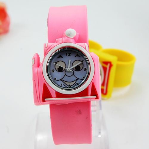 Drop Shipping 3D Cartoon Thomas Tank Engine.Spongebob squarepants .hello kitty.super mario.spider-man Watch Kids Wristwatches(China (Mainland))