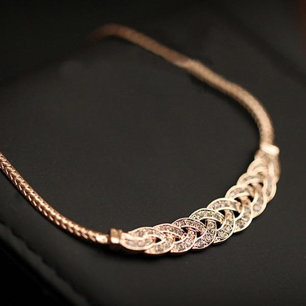 Promotion New Design Leaf Crew Clavicle Chain Short Necklace Gold Bib Statement Women Luxury Necklace Pendants