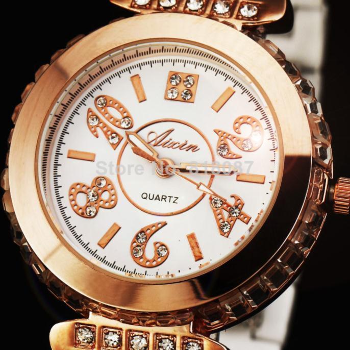 2015 new fashion hot sale rhinestone high quality famous brand best gift women female classic wrist quartz watch(China (Mainland))