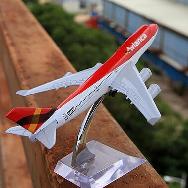 16CM/6.3in Avianca Airliner B747 passenger plane alloy model by Terebo(China (Mainland))