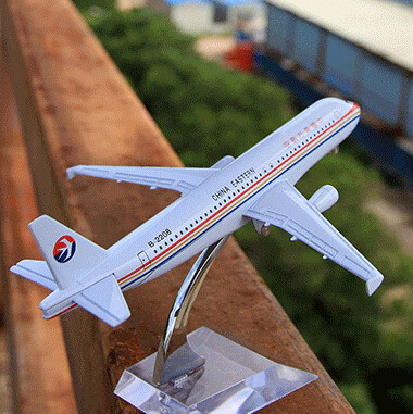 16CM/6.3in China Eastern Airlines A320 passenger plane alloy model by Terebo(China (Mainland))