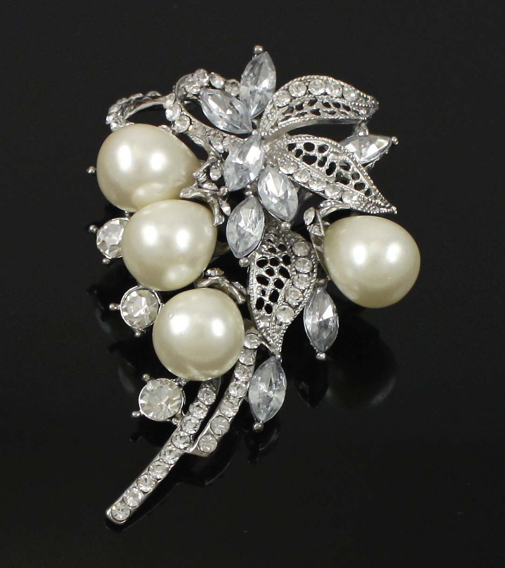 1 Pc Charming Clear Rhinestone Ivory / Cream Pearl Flower Leaves Brooch Pin(China (Mainland))