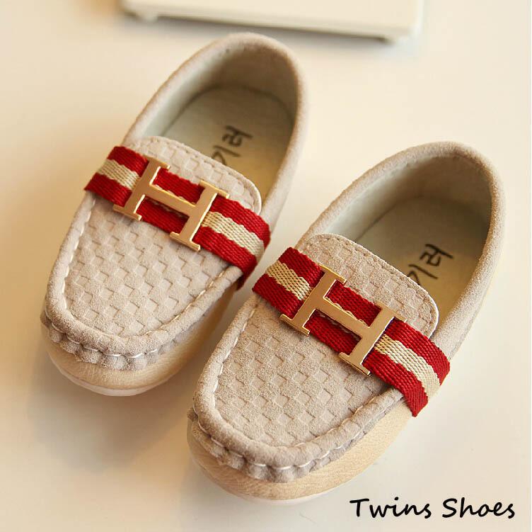 Livraison gratuite 2014 nouveau printemps automne chute doug enfant bébé enfants plat. casual chaussures en cuir garçons chaussures mocassin en métal