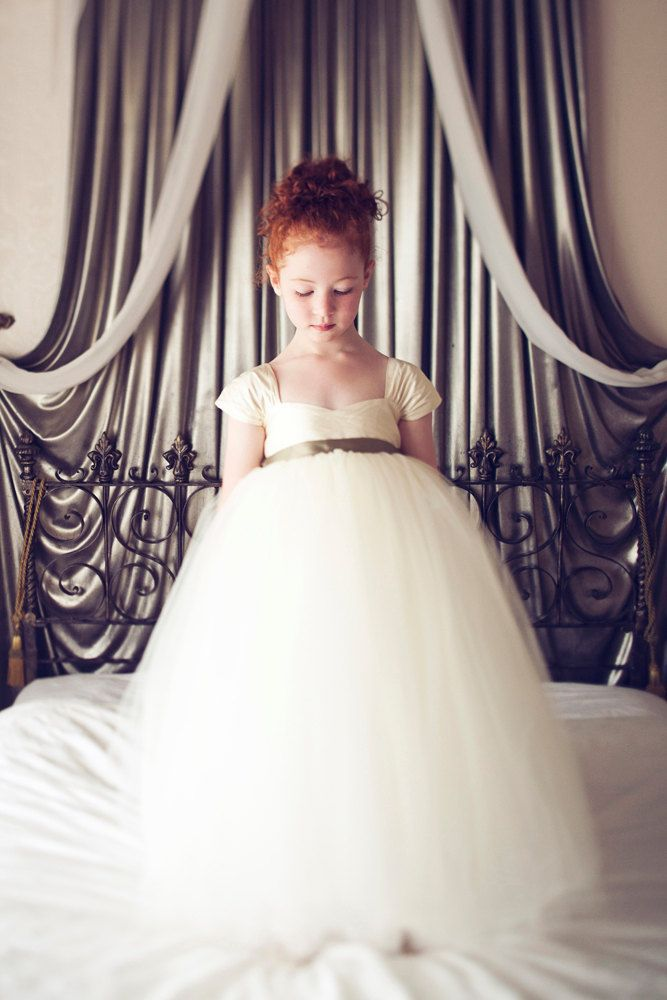 Ball Gown Organza vintage Short Sleeve Little Girl's Summer Tulle Empire Waist Ball Gown Long Vintage Flower Girl Gresses(China (Mainland))