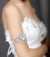 Free Shipping!Silver Heart Style Rhinestone Bridal Armlet Wedding Or Party Bracelet And Bangles