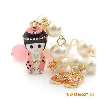 Free shipping,Fashion bracelets bangles Japanese dolls wearing kimonos charm bracelets for women B114(China (Mainland))