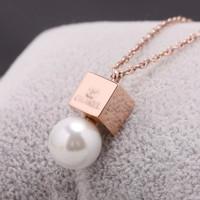 Luxury Brand Pearl Female Fashion Short Chain Necklace Women Square Titanium Rose Gold Logo Pendant Drop Necklace Acessories