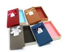 Подарочные коробки - Красный Куб