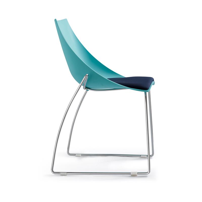 Achetez en gros petite chaise moderne en ligne des grossistes petite chaise - Chaise plastique ikea ...